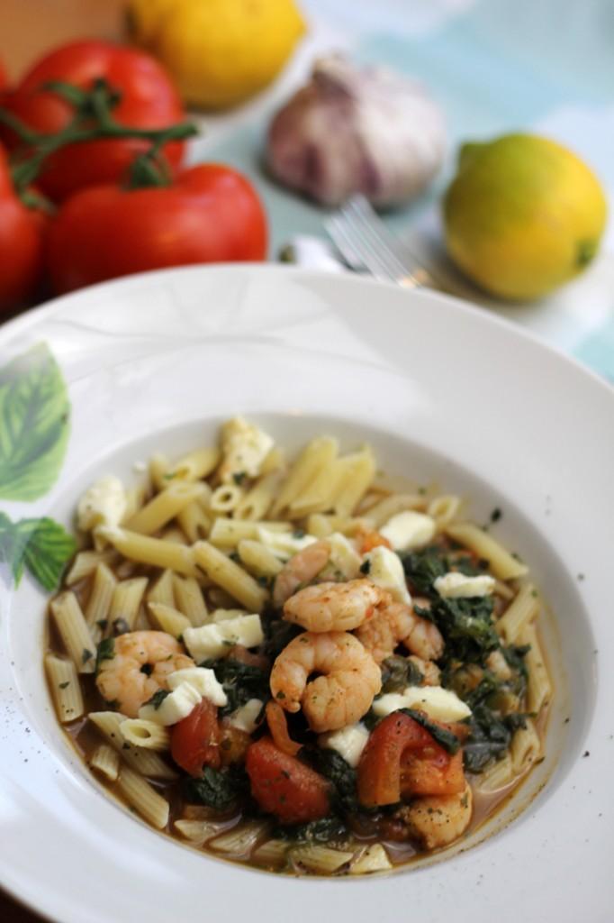 pasta met garnalen, garnalenpasta, spinazie, mozzarella, tomaat, balsamicoazijn