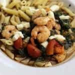 garnalenpasta, spinazie, mozzarella, tomaat, balsamicoazijn