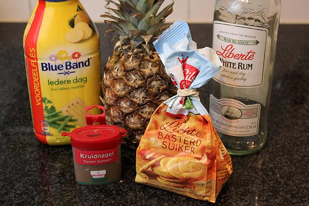 ananas toetje met ijs en kruidnagel, ananas dessert, ananas toetje, ananas met rum, ananas kruidnagel, ananas warm